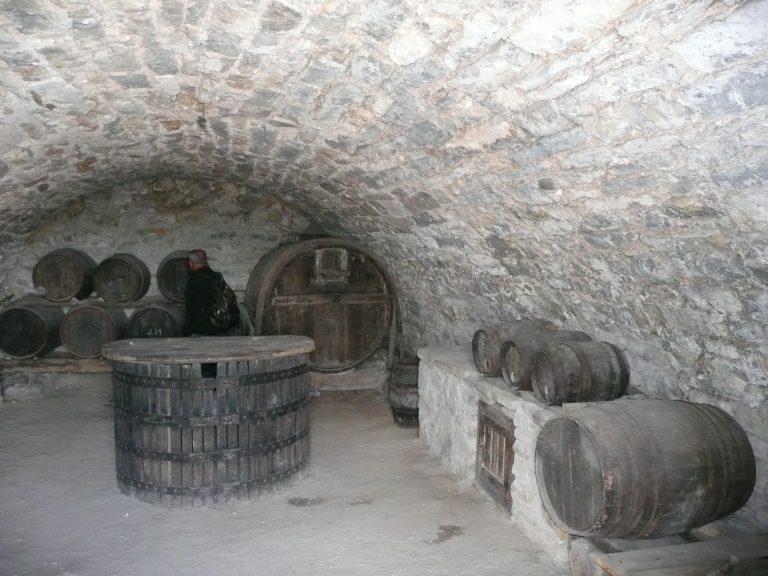 Intérieur des caves d'Entre-Deux-Monts