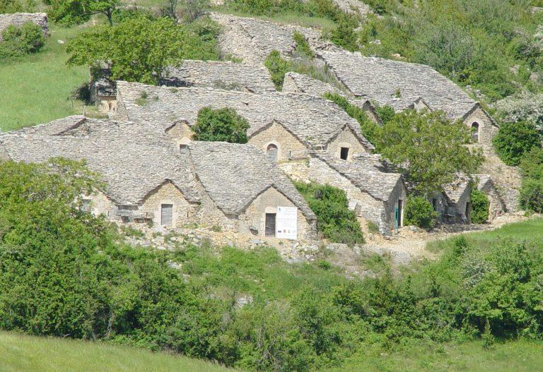 Les caves semi-troglodytes d'Entre-Deux-Monts
